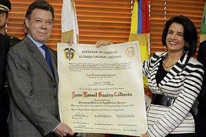 juan_manuel_santos_credencial_presidente